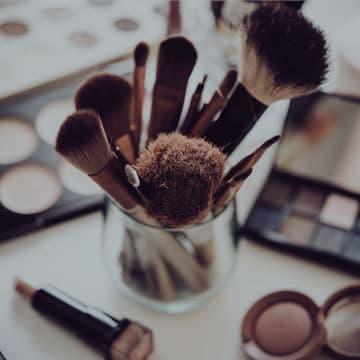 Roczna szkoła makijazu